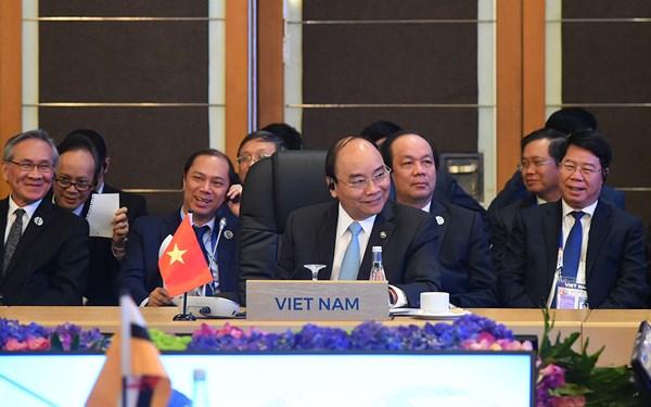 Thủ tướng Nguyễn Xuân Phúc tại Hội nghị Cấp cao ASEAN-Hàn Quốc lần thứ 19.