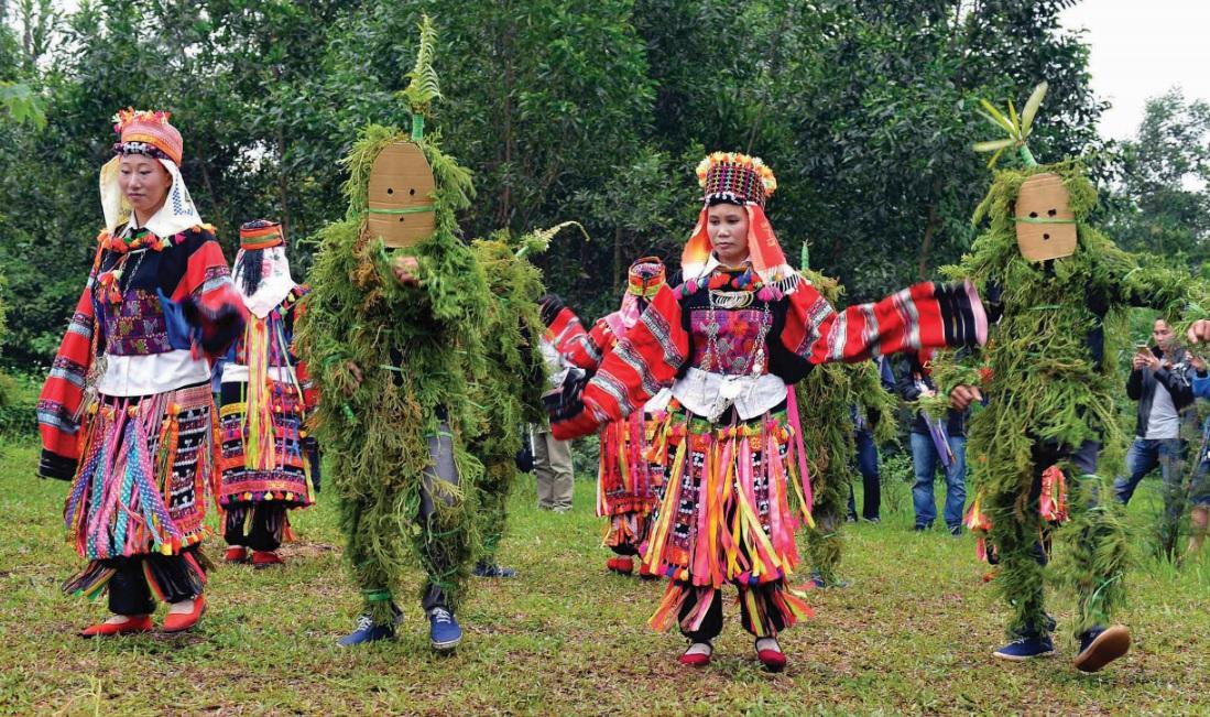 Một điệu múa truyền thống của dân tộc Lô Lô.