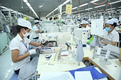 Thực tế ở Việt Nam nền tiền lương đóng chủ yếu dựa trên mức lương cơ bản và có khoảng cách khá xa với mức tiền lương và thu nhập thực tế của người lao động.