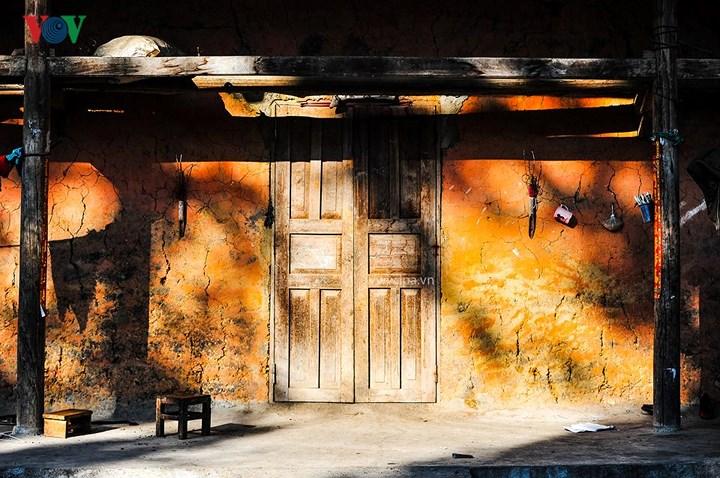 Hà Giang nơi bản làng còn là phút giây lưu luyến một vạt nắng trước hiên nhà giản dị và bình yên quá đỗi.