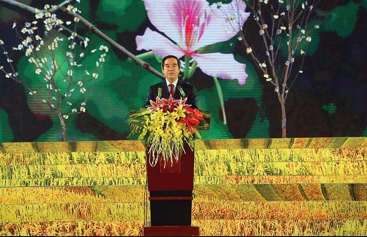 Ông Nguyễn Văn Bình, Ủy viên Bộ Chính trị, Bí thư Trung ương Đảng, Trưởng ban Kinh tế Trung ương phát biểu tại Lễ Khai mạc.
