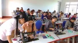 Dự báo sẽ có khoảng 86% lao động ngành dệt may và giày dép của Việt Nam có nguy cơ thất nghiệp từ sự tác động của những đột phá về công nghệ của cuộc cách mạng công nghiệp 4.0.