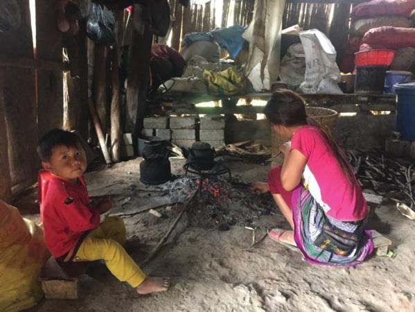 """Dù mang danh """"thị trấn"""" nhưng Phong Hải vẫn có trên 40% hộ nghèo và cận nghèo."""