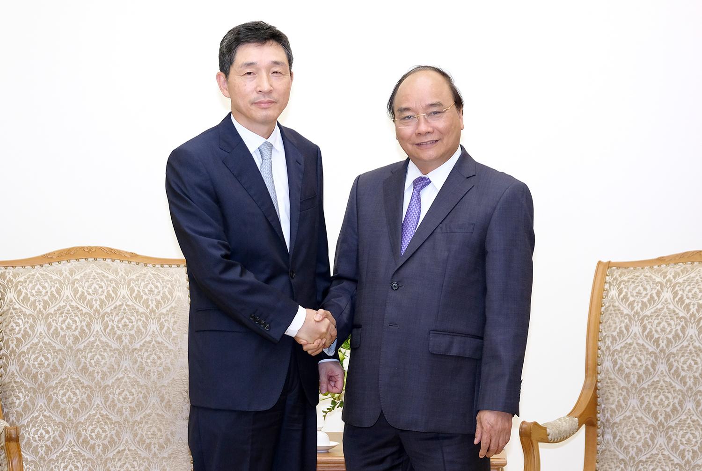 Thủ tướng Nguyễn Xuân Phúc tiếp Đại sứ Hàn Quốc Lee Hyuk.