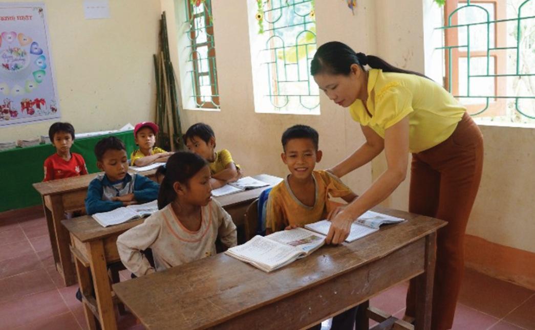 Một lớp học ghép ở điểm trường Khe Nóng do cô Thủy phụ trách.
