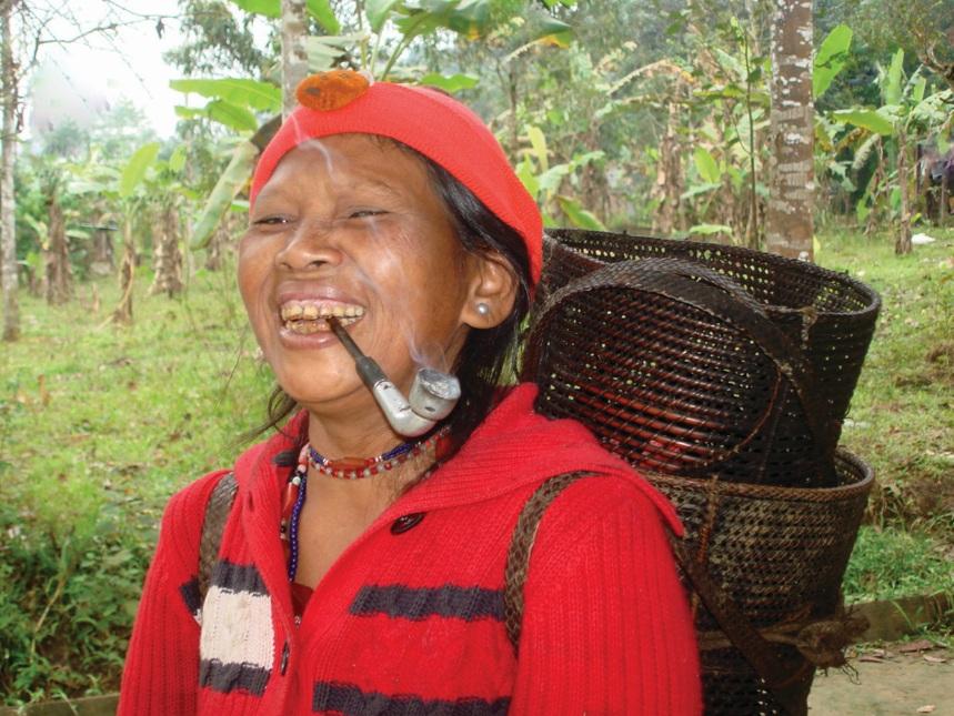 Già Pơlong He là một trong những người biết đan nhiều loại gùi.