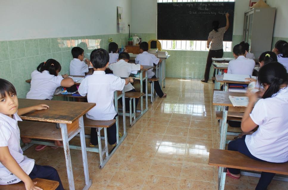 Các em mồ côi, khuyết tật đang trong giờ học ở Ngôi nhà hy vọng.