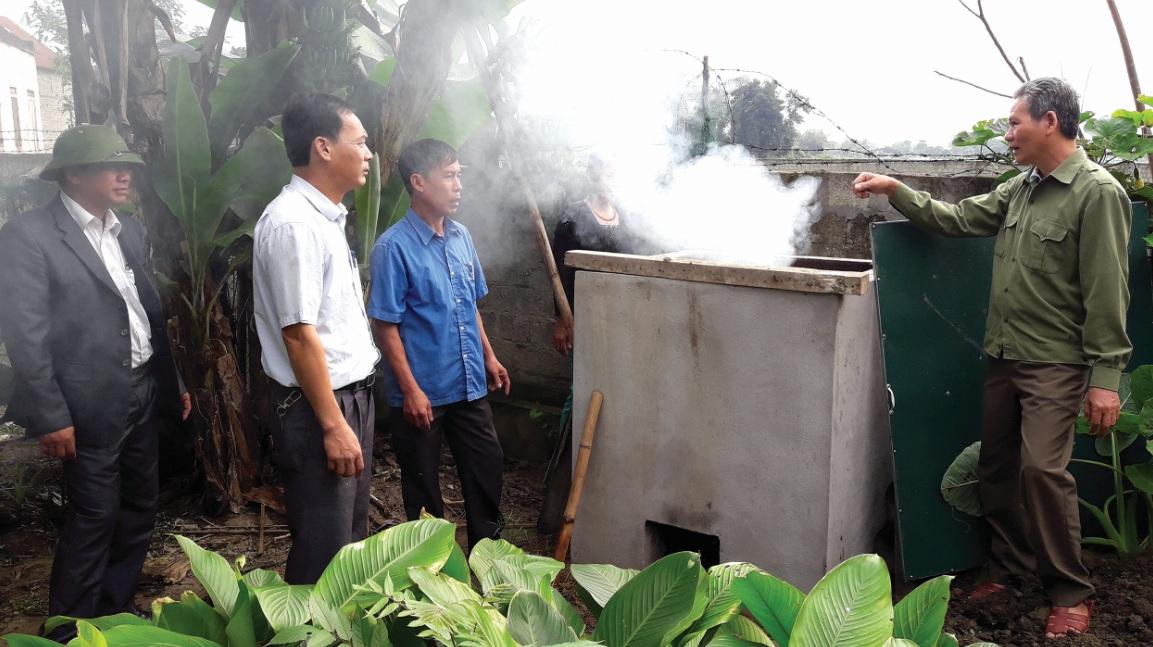 Mô hình xử lý rác thải tại hộ gia đình ở xã Châu Cường (huyện Quỳ Hợp, Nghệ An).
