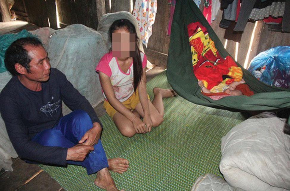 Hồ Thị Chui lấy chồng, sinh con khi mới tròn 16 tuổi.