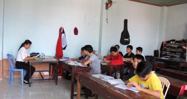 nhà lưu trú học sinh