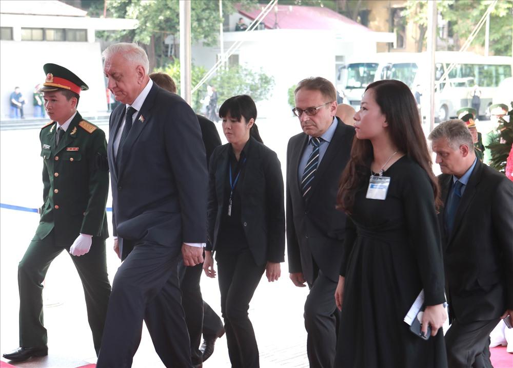 Đoàn Cộng hòa Belarus, do Chủ tịch Thượng viện Mikhail Myasnikovich làm trưởng đoàn, viếng Chủ tịch nước Trần Đại Quang. Ảnh: Báo Lao động