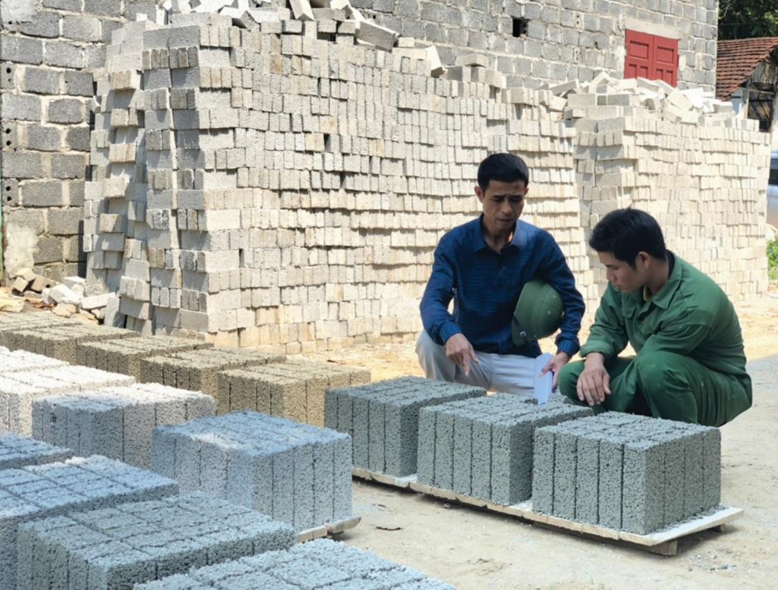 Doanh nhân Phạm Văn Thuyền luôn trăn trở tìm hướng đi mới cho Công ty của mình.