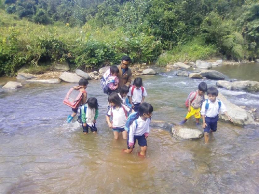 Hỗ trợ học sinh bán trú ở địa bàn vừa thoát nghèo: Cần có sự tiếp sức mới