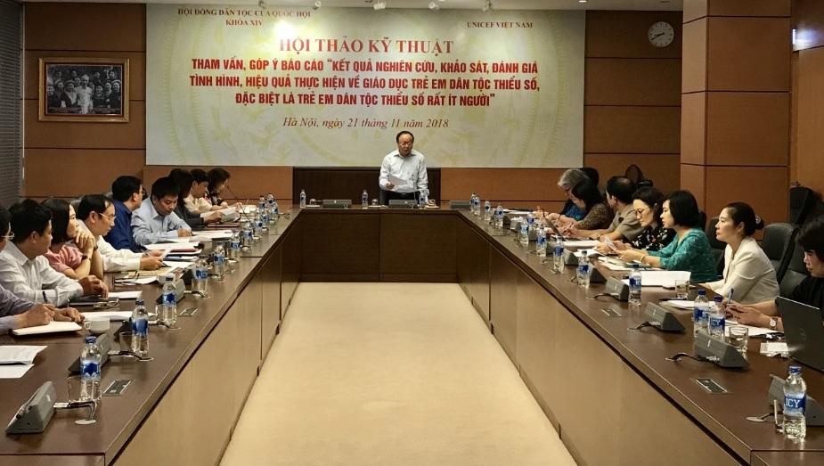 Phó Chủ tịch Hội đồng Dân tộc Quốc hội Giàng A Chu chủ trì Hội thảo