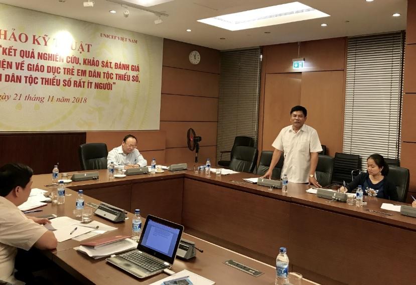 Thứ trưởng, Phó Chủ nhiệm Ủy ban Dân tộc Y Thông phát biểu tại Hội thảo
