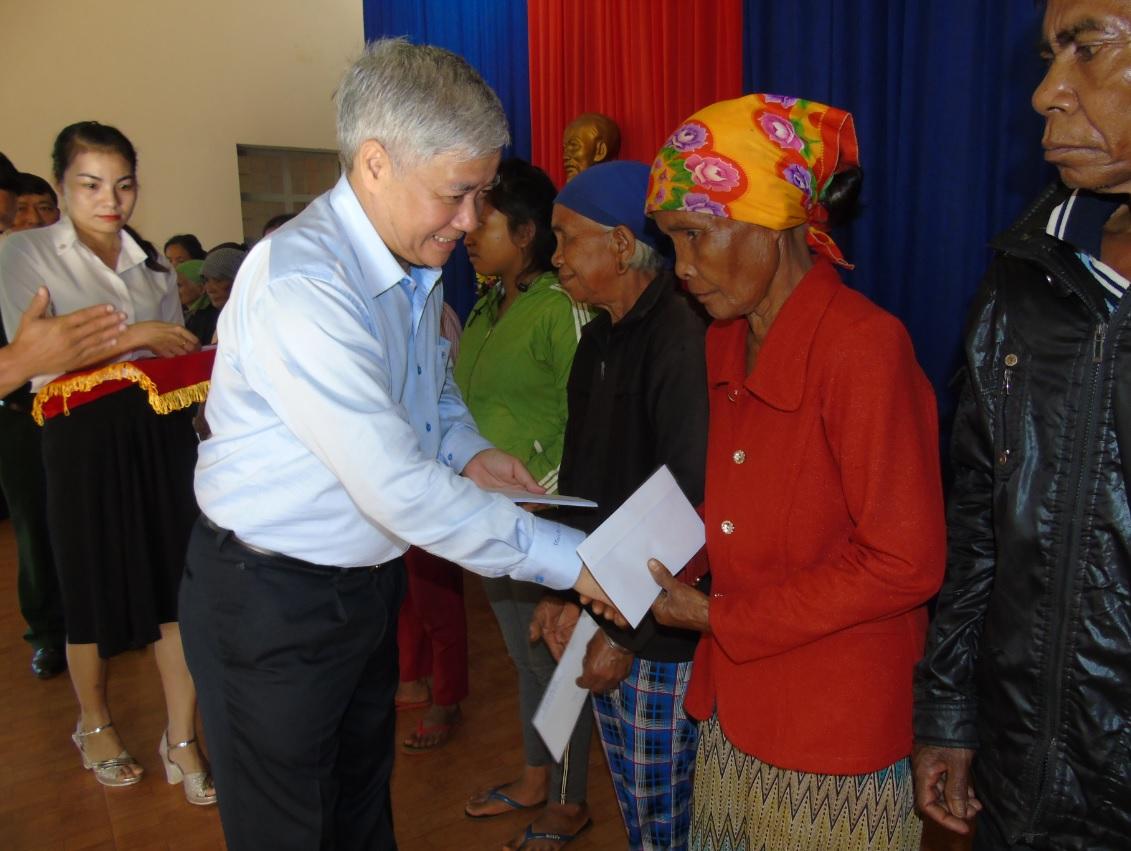Bộ trưởng, Chủ nhiệm UBDT Đỗ Văn Chiến kiểm tra tình hình công tác dân tộc tại tỉnh Gia Lai