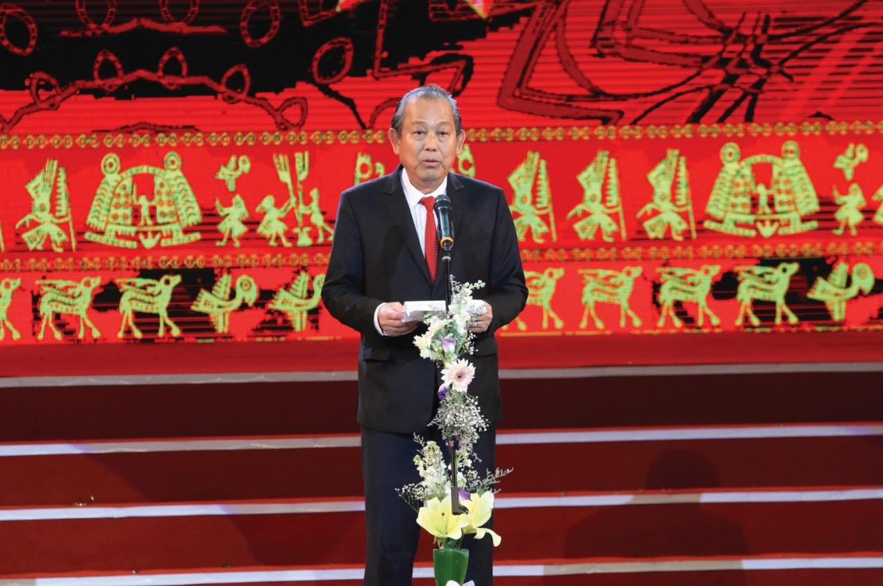 Phó Thủ tướng Thường trực Chính phủ Trương Hòa Bình phát biểu tại Lễ Tuyên dương học sinh, sinh viên DTTS xuất sắc, tiểu biểu năm 2018.