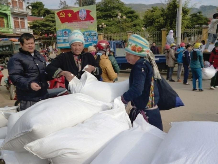 Cần khẩn trương rà soát danh sách hộ thiếu đói để kịp thời cấp gạo hỗ trợ trước Tết. (Ảnh minh họa)