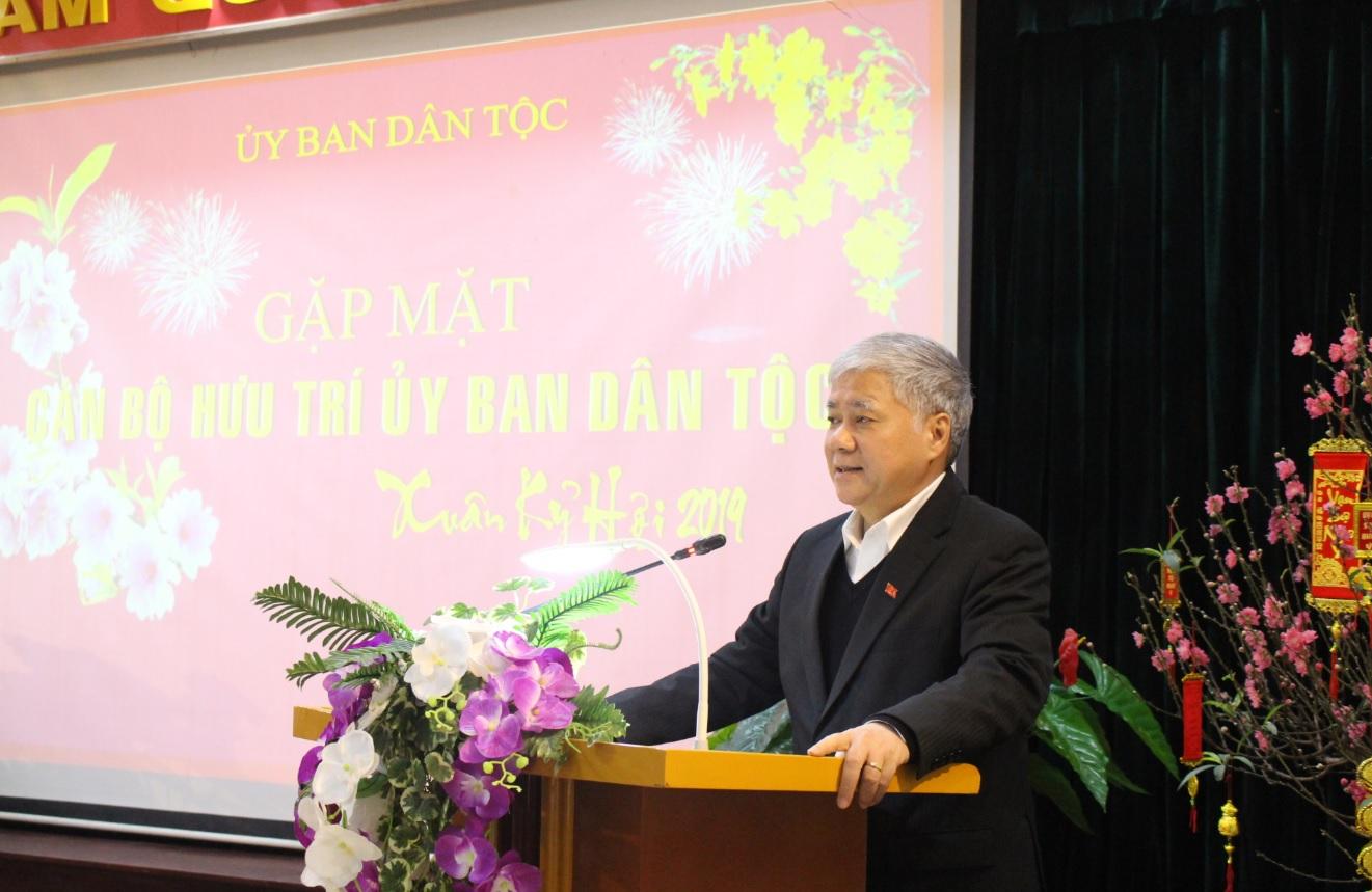 Bộ trưởng, Chủ nhiệm UBDT Đỗ Văn Chiến phát biểu tại buổi Gặp mặt