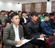 Các thanh niên là người Dân tộc thiểu số đã tốt nghiệp Cao đẳng, Đại học tham dự hội nghị. Ảnh: Quốc Khánh - TTXVN