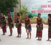 Trang phục truyền thống của dân tộc Chơ Ro