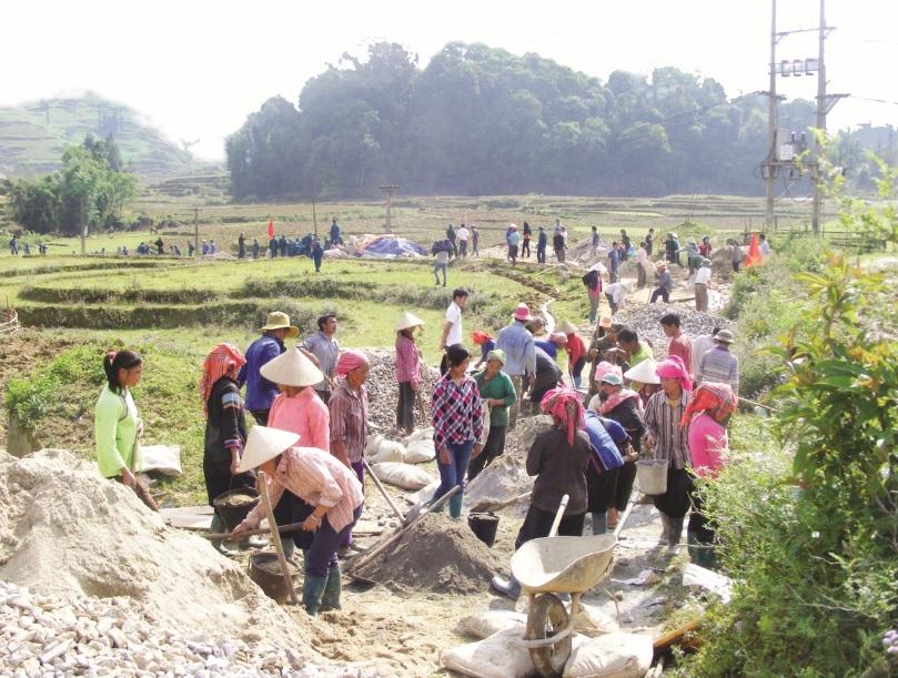 Giao thông nông thôn tại các địa phương miền núi từng bước được hoàn thiện, góp phần thúc đẩy phát triển kinh tế-xã hội.