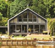 Mô hình nhà chống lũ trên bờ sông Thames thuộc thị trấn Buckinghamshire ở Marlow (Anh).