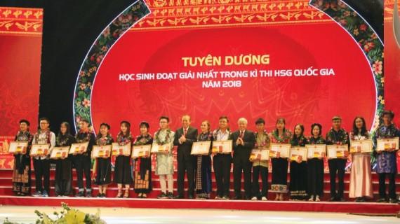 Lễ Tuyên dương HSSV DTTS