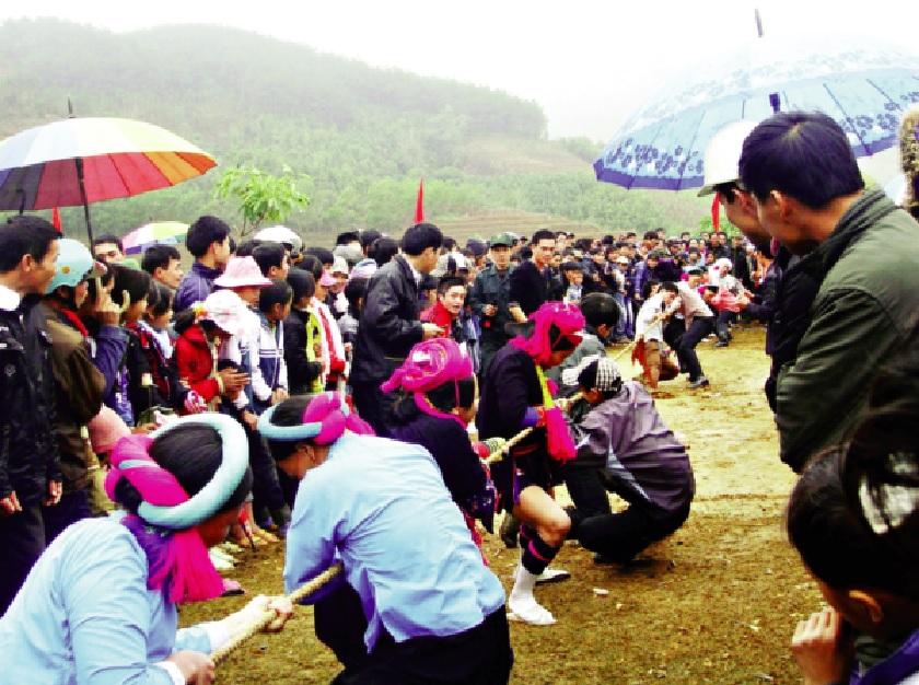 Kéo co là một trong những trò chơi dân gian thu hút đông đảo người tham gia trong các lễ hội Xuân.