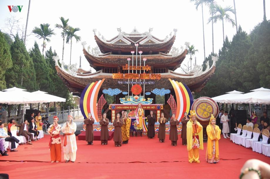 Những hình ảnh đẹp tại lễ hội Chùa Hương 2019.