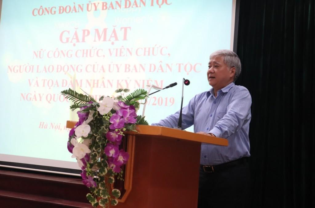 Bộ trưởng, Chủ nhiệm Đỗ Văn Chiến phát biểu chúc mừng tại buổi Gặp mặt