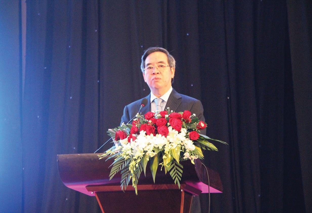 Ông Nguyễn Văn Bình, Ủy viên Bộ Chính trị, Bí thư Trung ương Đảng, Trưởng Ban Kinh tế Trung ương phát biểu tại Hội thảo.