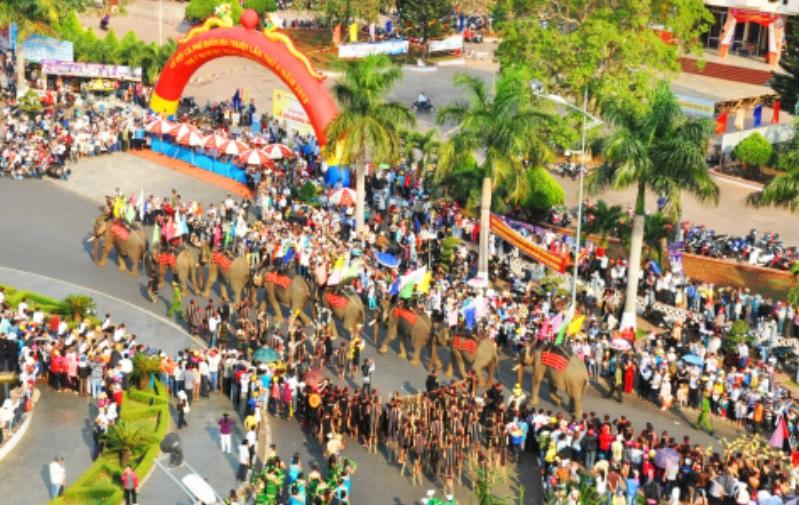 Một hoạt động trong Lễ hội Cà phê Buôn Ma Thuột lần thứ 4 năm 2013. Ảnh TL