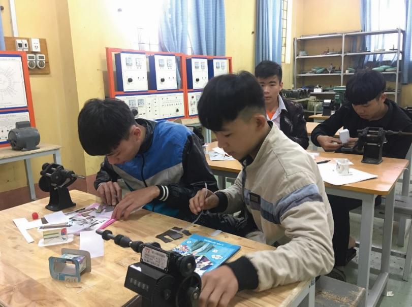 Học viên là người DTTS đang được đào tạo nghề tại Trường Cao đẳng Lào Cai.