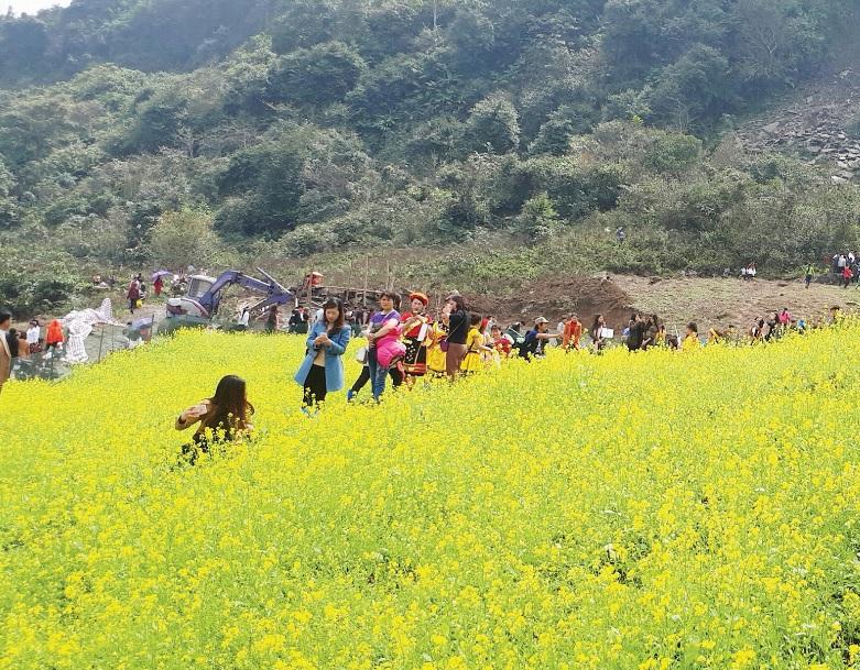 Hội Xuân Mù Là là điểm hẹn của đồng bào các dân tộc khi mùa xuân về.