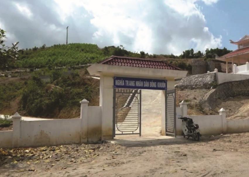 Nghĩa trang Đồng Khuôn xây dựng qua loa.