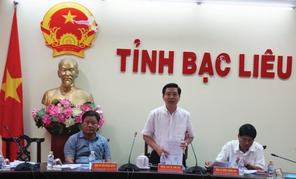 Thứ trưởng, Phó Chủ nhiệm UBDT Lê Sơn Hải phát biểu tại buổi làm việc.
