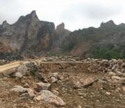 Núi Vàng