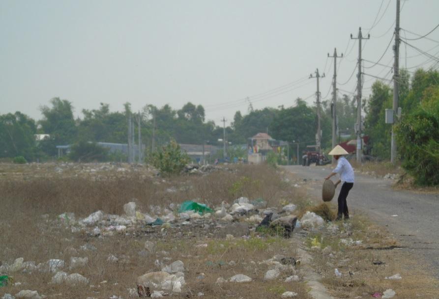 Khu TĐC Phú Hội trở thành nơi đổ rác của người dân.