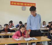 Giáo viên cắm bản