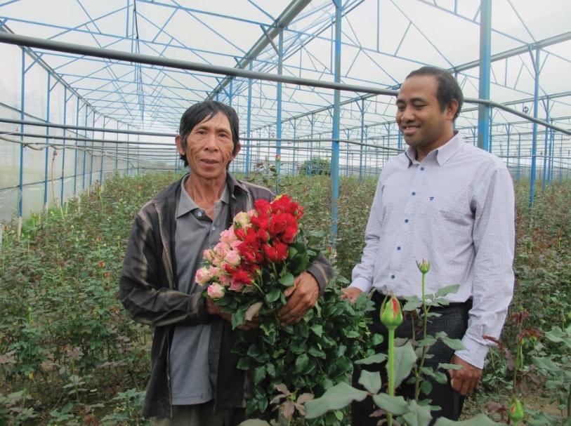Vườn hoa hồng của gia đình ông Kra Jan Blim.