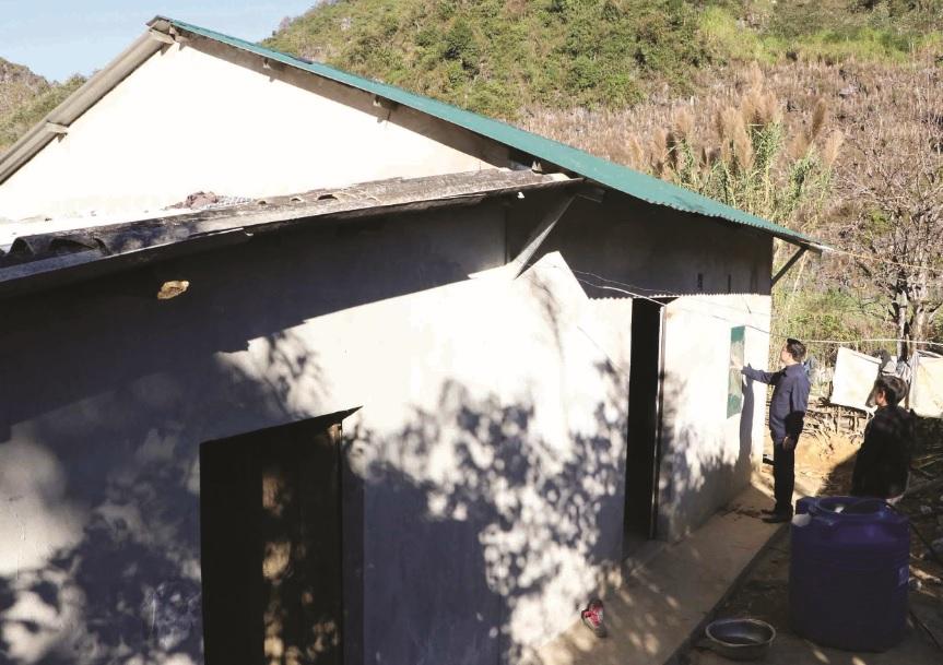 """Từ nguồn kinh phí hỗ trợ của Thủ tưởng Chính phủ, gia đình anh Tẩn A Sun đã được ở trong ngôi nhà mới bảo đảm tiêu chí """"3 cứng""""."""