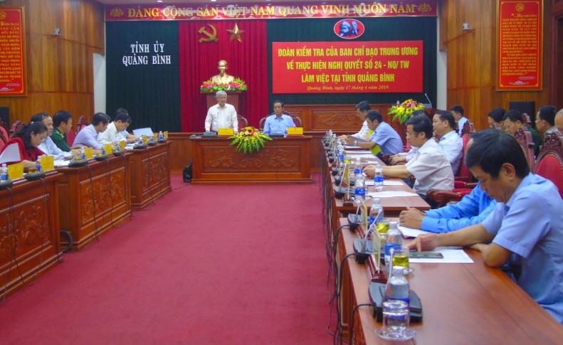 Bộ trưởng, Chủ nhiệm UBDT Đỗ Văn Chiến làm việc với Ban Thường vụ Tỉnh ủy Quảng Bình