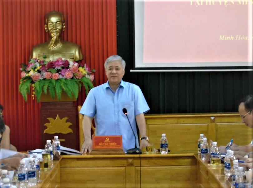 Bộ trưởng , Chủ nhiệm UBDT Đỗ Văn Chiến làm việc với Ban Thường vụ Huyện Ủy Minh Hoá