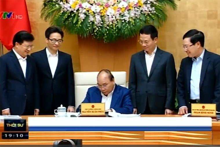 Thủ tướng Chính phủ Nguyễn Xuân Phúc ký Quyết định Phê duyệt quy hoạch phát triển và quản lý báo chí toàn quốc đến năm 2025.(Ảnh:vtv.vn)