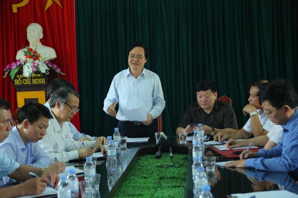 Bộ trưởng Bộ GD&ĐT Phùng Xuân Nhạ phát biểu tại buổi làm việc. (Ảnh: Bộ GD&ĐT)