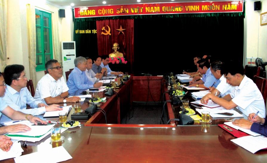Bộ trưởng, Chủ nhiệm Đỗ Văn Chiến làm việc với Đoàn công tác của UBND tỉnh Lai Châu.