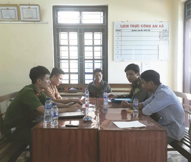 Một buổi họp các tổ hoà giải của xã Cúc Phương.
