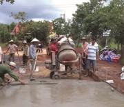 Nhờ các nguồn lực xây dựng giao thông nông thôn góp phần xóa đói giảm nghèo vùng DTTS ở Bình Phước.
