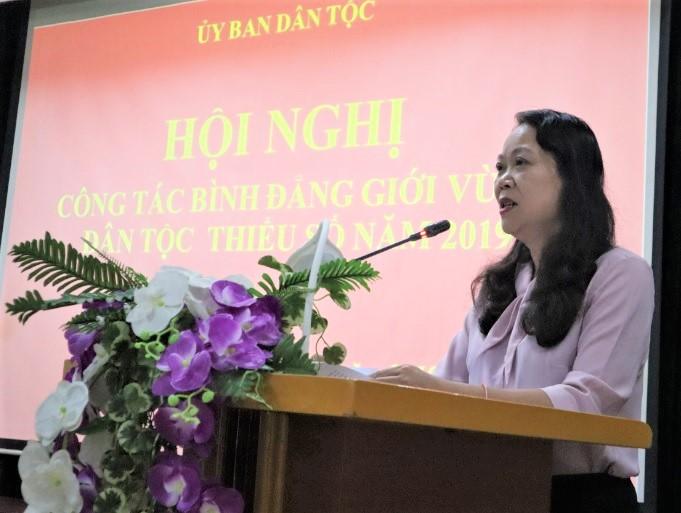 Thứ trưởng, Phó Chủ nhiệm UBDT Hoàng Thị Hạnh phát biểu tại Hội nghị công tác bình đẳng giới vùng DTTS năm 2019.